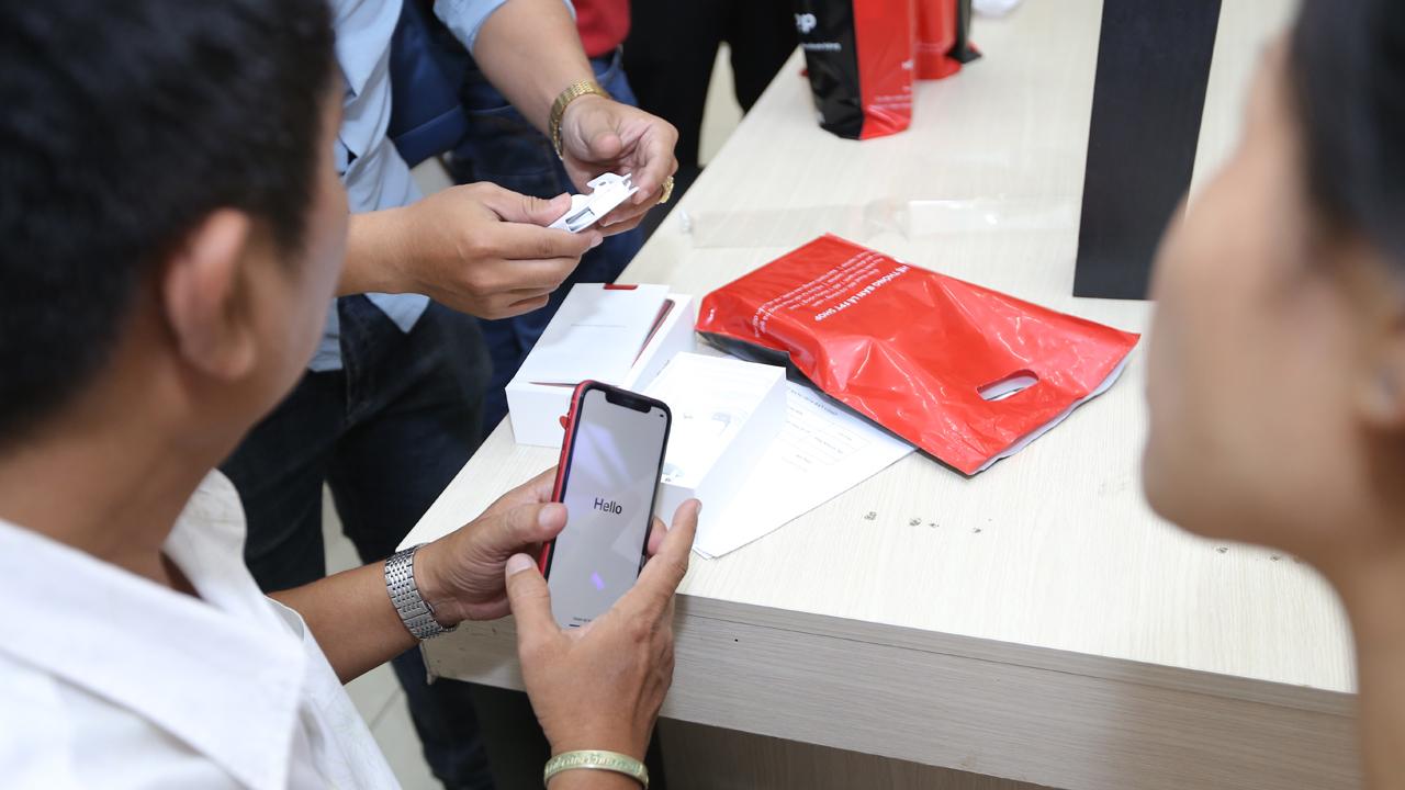 FPTShop iPhoneXS MoBan 31 - Giá iPhone giảm sốc, cơ hội cho người dùng