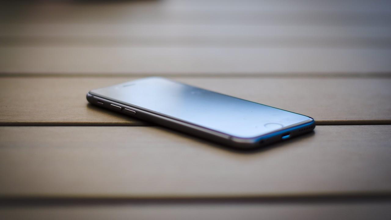 iphone 7 pus grey featured - 15 ứng dụng và game iOS mới, giảm giá miễn phí ngày 22/1/2019