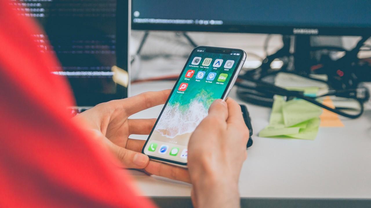 iphone x 4 featured - 13 ứng dụng và game iOS mới, giảm giá miễn phí ngày 18/3/2019