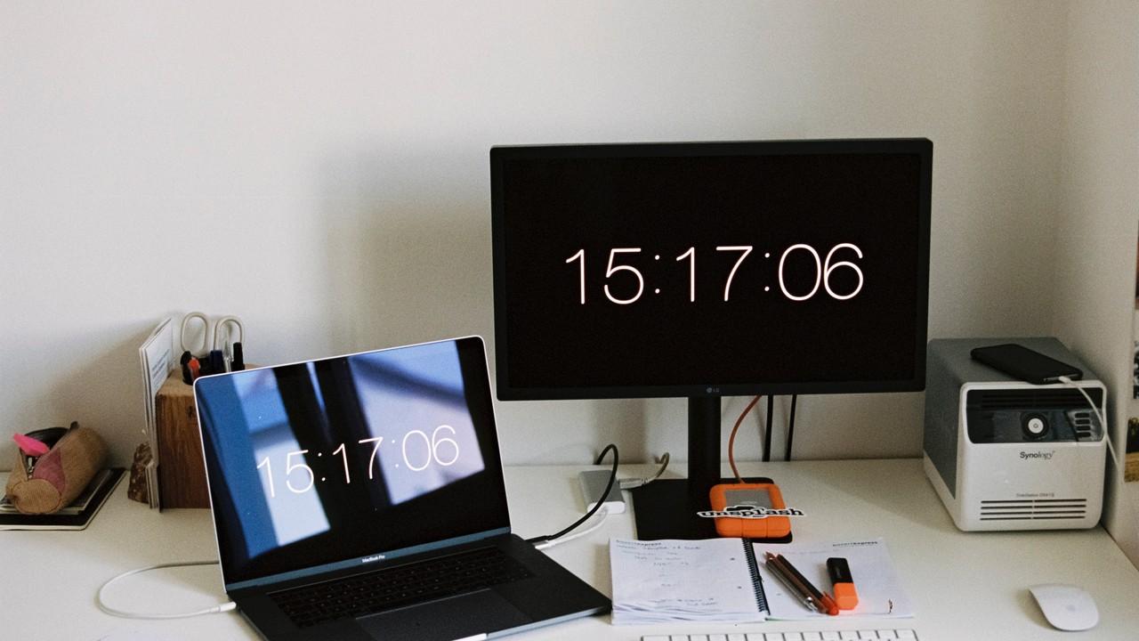 ssd portable featured - Cách kiểm tra tốc độ đọc / ghi của ổ SSD trên Windows 10