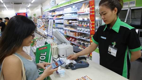 IMG 8922 600x338 - Có thể thanh toán QR Code tại FamilyMart