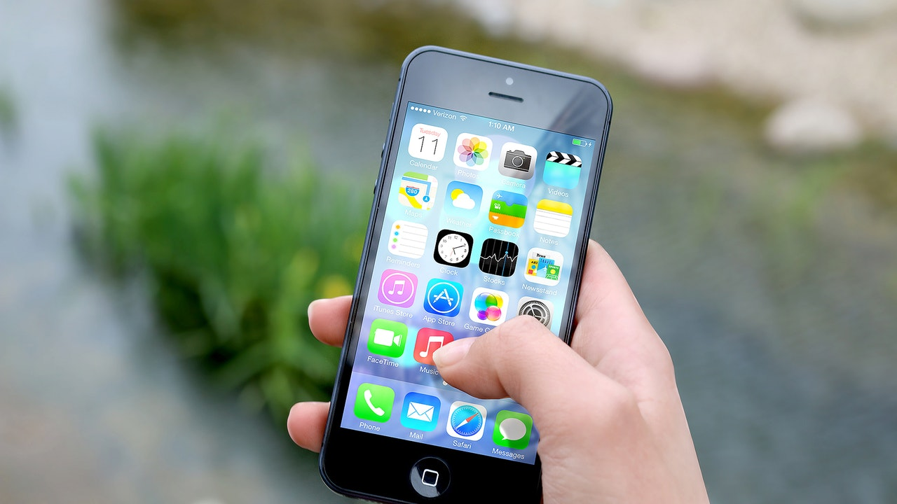 iphone old featured - 13 ứng dụng và game iOS mới, giảm giá miễn phí ngày 24/4/2019