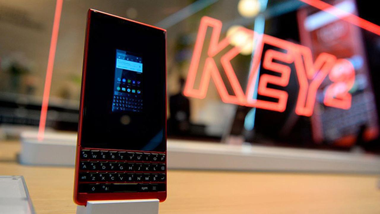 Key2 red edition - BlackBerry KEY2 phiên bản màu đỏ bán ra giá 16,23 triệu đồng
