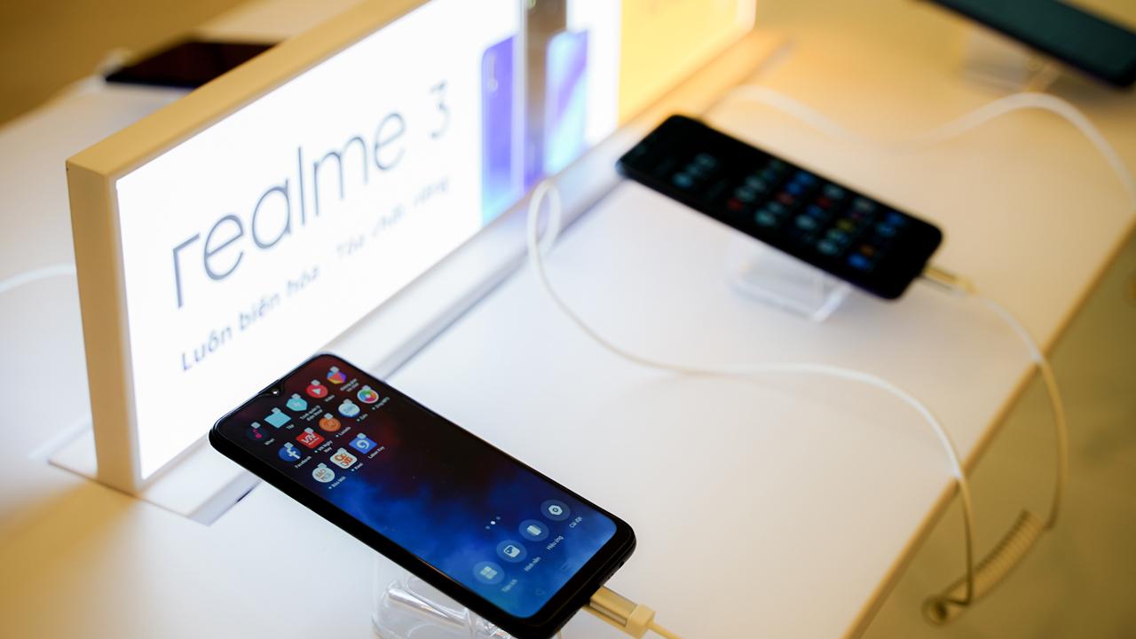 Realme3 39 - Realme 3 ra mắt tại Việt Nam, Isaac là đại diện thương hiệu