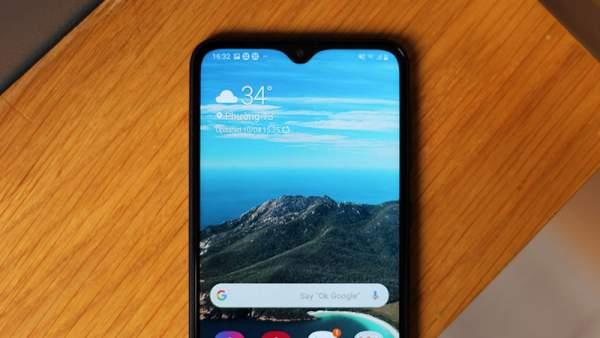 samsung A10 600x338 - Sắm điện thoại 3 triệu đồng: Samsung Galaxy A10 hay Nokia 3.2?