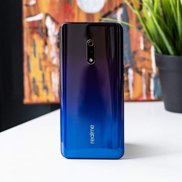 """gia realme x 600x600 - Smartphone camera """"thò thụt"""" giá 6 triệu đồng: Chọn Huawei Y9 Prime hay Realme X?"""