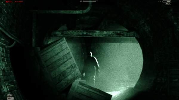 best horror games outlast 900x507 600x338 - Top game ma, kinh dị nhất thế giới