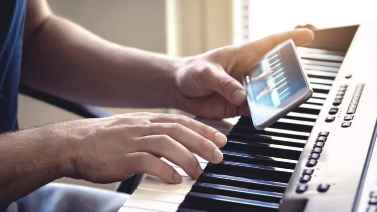 cach hoc dan piano tren smartphone featured 750x422 - Mời bạn nhận thêm 3 tháng bản quyền IFLIX