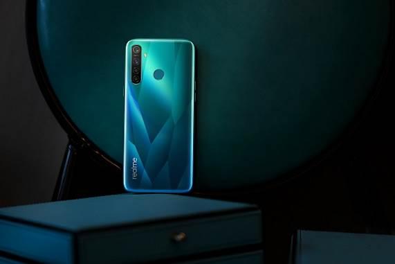 image011 - Realme ra mắt Realme 5 và 5 Pro - bộ đôi smartphone trang bị cụm 4 camera