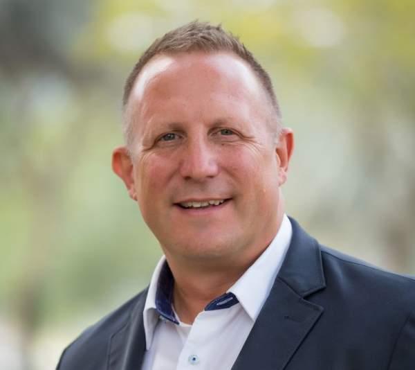 Keith Fenner Managing Director Coats Digital 600x534 - Coats Digital là gì?