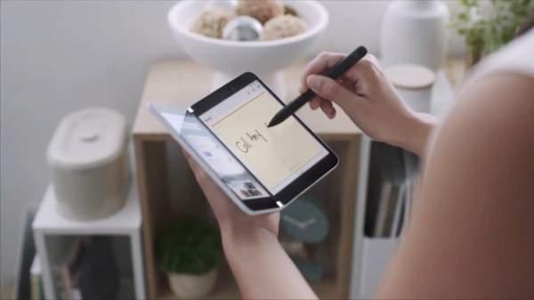 Surface Duo 1 600x337 - Surface Duo: Điện thoại Android màn hình kép