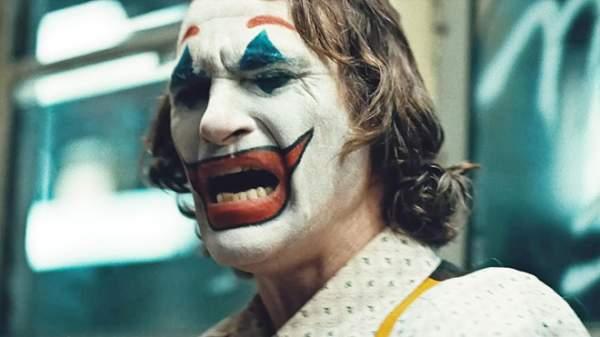 chu he lpdt 600x337 - Đánh giá phim Joker: Bản ngã của tội ác