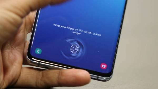 Samsung Galaxy S10 Plus 720 9 600x338 - Vị trí nào lý tưởng cho cảm biến vân tay trên smartphone?
