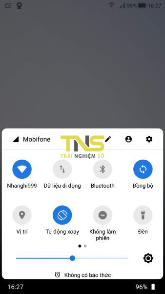 Mở Quick Settings trên Android từ cạnh dưới và hai bên màn hình 3