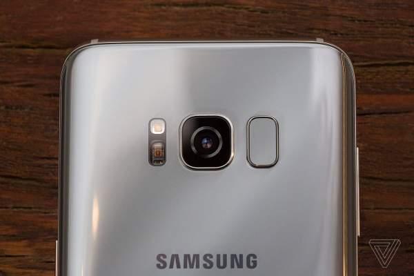 cam bien van tay 1 600x400 - Vị trí nào lý tưởng cho cảm biến vân tay trên smartphone?