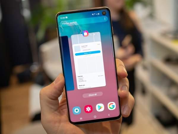 galaxy s10 multitasking 600x450 - Bạn thích kiểu màn hình nào trên smartphone?
