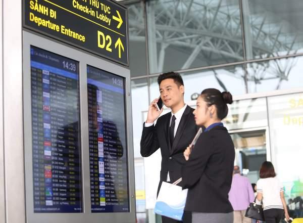 Khach hang dang ky goi cuoc VinaPhone truoc khi di nuoc ngoai 600x441 - Tiết kiệm 99% cước chuyển vùng quốc tế với gói tích hợp Thoại – SMS - Data của VinaPhone