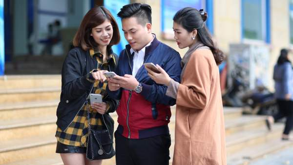 VinaPhone 600x338 - VinaPhone miễn phí hoàn toàn Data Roaming cho cổ động viên Việt Nam sang Philippines