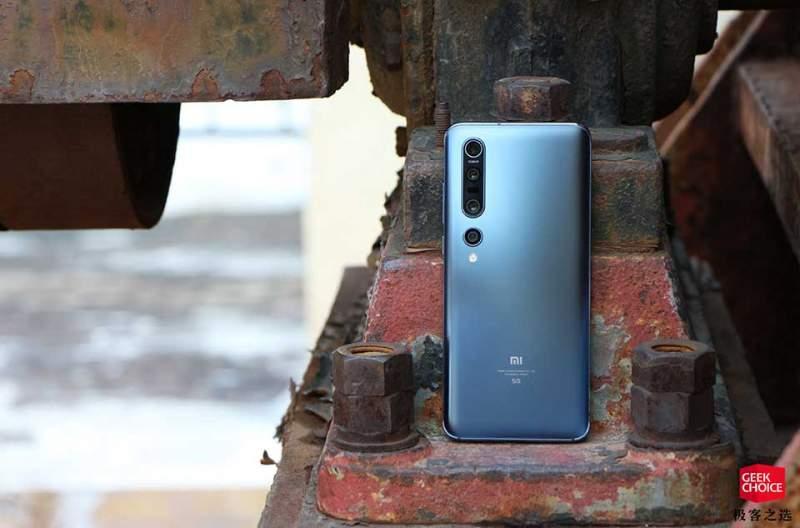 tren tay xiaomi mi 10 pro 08 800x528 - Xiaomi Mi 10: điểm cực cao, giá tốt, camera 108MP
