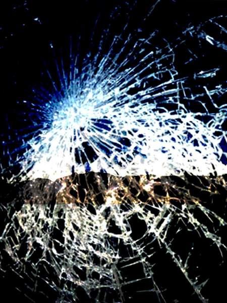 177692 450x600 - Tổng hợp 47 ảnh nền điện thoại màn hình bị vỡ, nứt