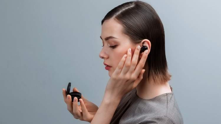 Mi True Wireless Earbuds 08 750x422 - VinSmart phát triển thành công điện thoại Vsmart Aris 5G