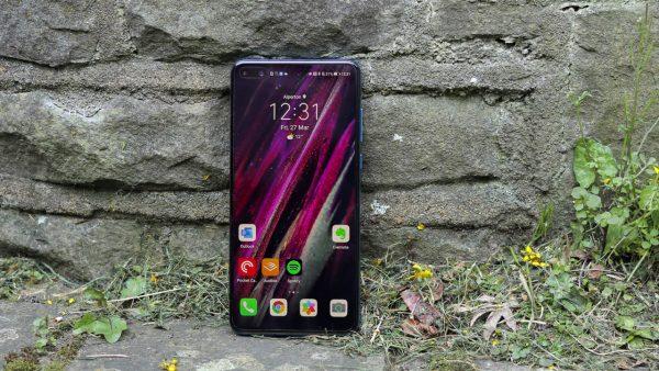 Chọn smartphone cao cấp nhỏ gọn: Galaxy S20 hay Huawei P40? 4