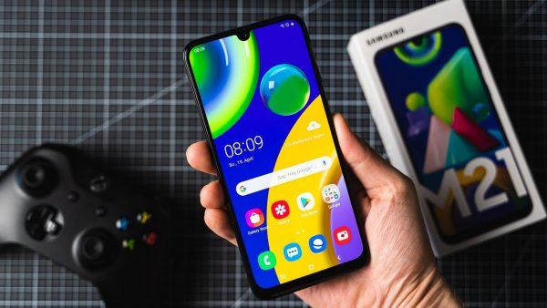 Chọn điện thoại pin 6.000mAh: Realme C12 hay Galaxy M21? 4