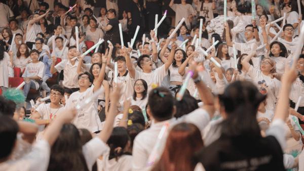 realme đồng hành cùng tân sinh viên HUTECH và Văn Lang