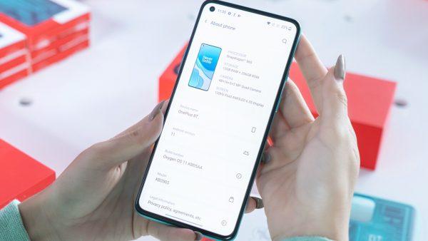 """Mở hộp OnePlus 8T 5G - Sự ấn tượng của tân """"flagship killer"""" 2"""