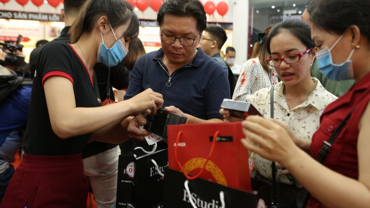 Realme mở bán đồng hồ Watch S, giá 2.99 triệu đồng 14