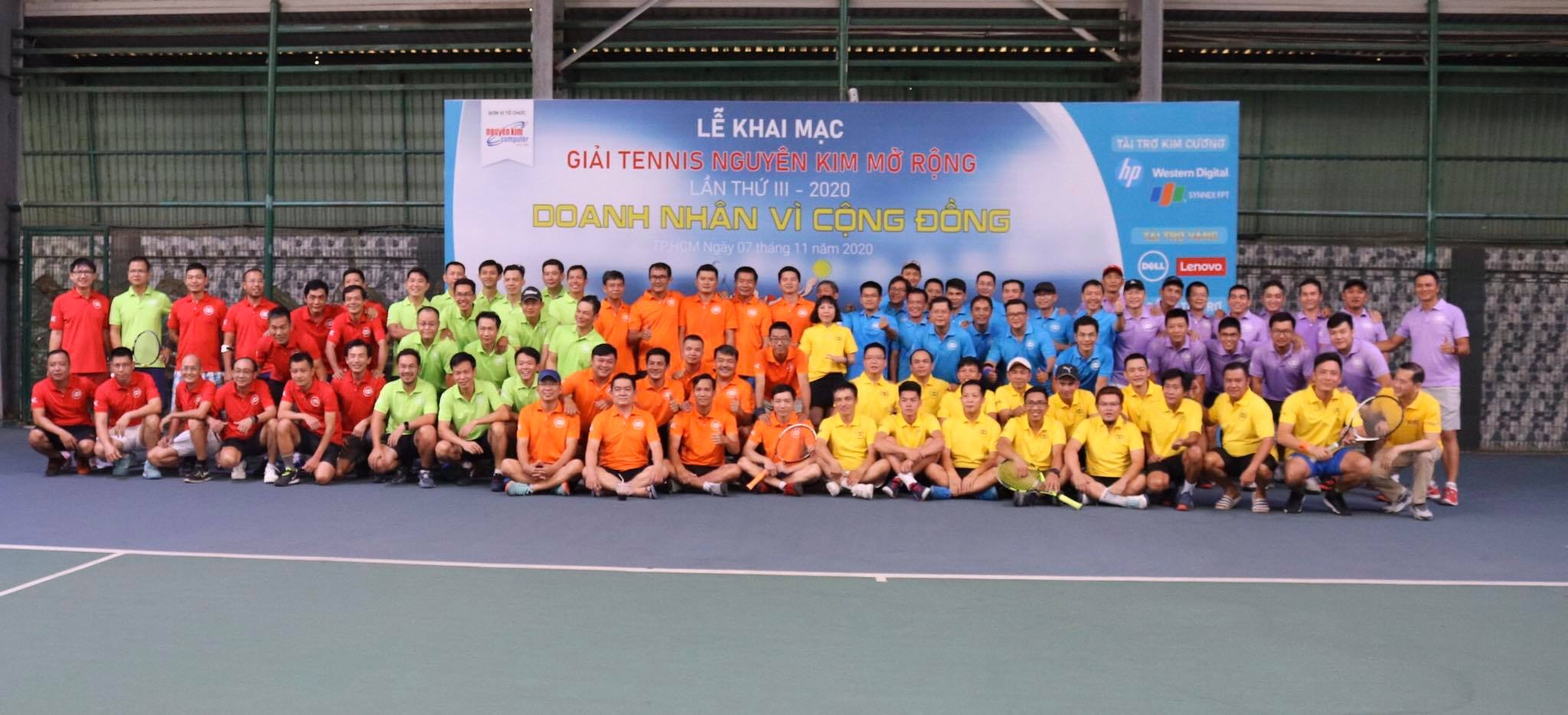 """Cộng đồng CNTT quyên góp được 152 triệu đồng qua giải tennis """"Doanh nhân vì Cộng đồng"""""""