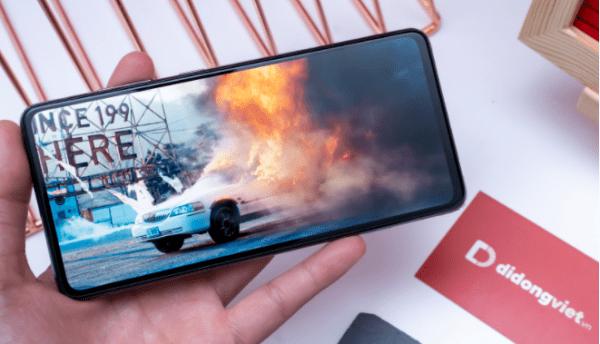 Di Động Việt mở bán Galaxy A52 và A72, giá từ 7,99 triệu đồng