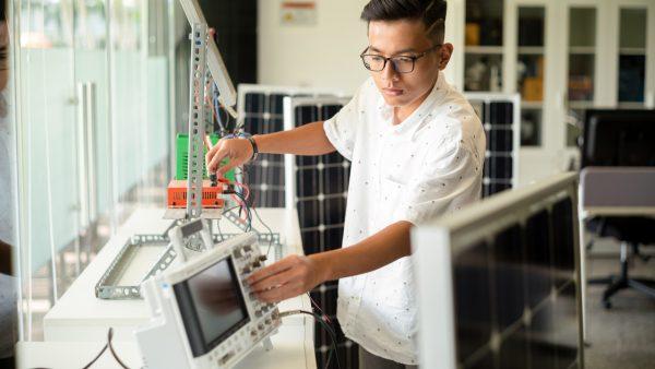 """Cuộc thi """"Sáng kiến Công nghệ TechGenius"""" dành cho teen mê công nghệ và kỹ thuật"""