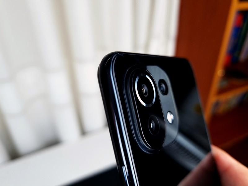 Trên tay Xiaomi Mi 11 Lite