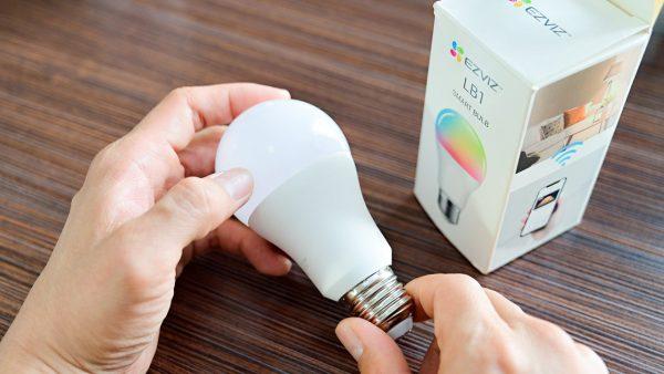 Trên tay đèn thông minh LB1 và ổ cắm thông minh T30-10B của EZVIZ: Kết nối nhanh, dùng dễ dàng