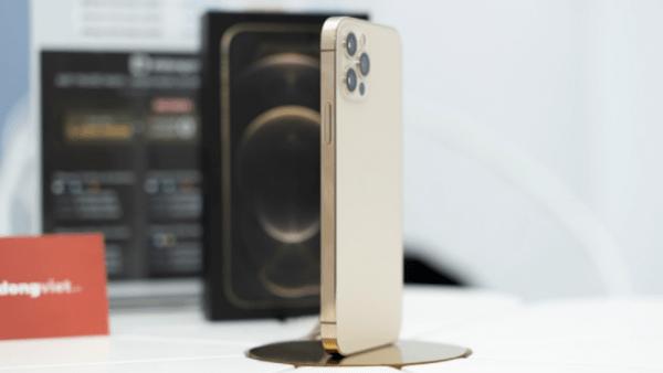 iPhone 12 Pro 128GB giảm đến 4,6 triệu đồng