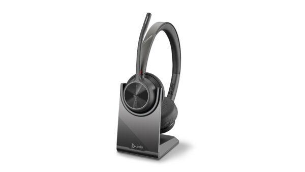 Poly giới thiệu dòng tai nghe Voyager 4300 UC Series mới