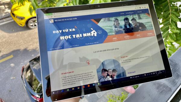 """VNPT hỗ trợ 37.000 máy tính bảng trong chương trình """"Sóng và máy tính cho em"""""""