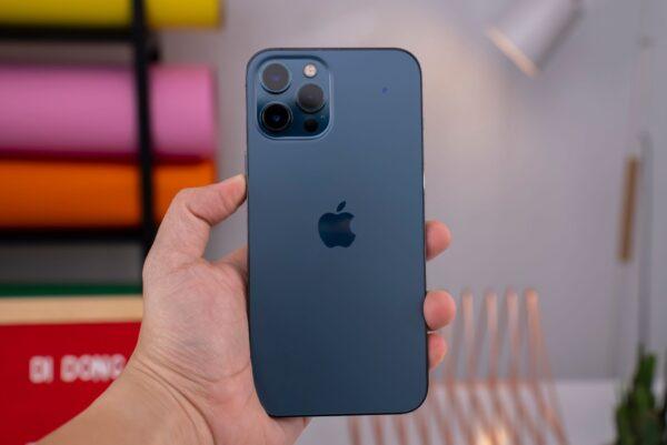 iPhone 13 sắp mở bán, iPhone 12 bất ngờ hạ giá xuống dưới 15 triệu